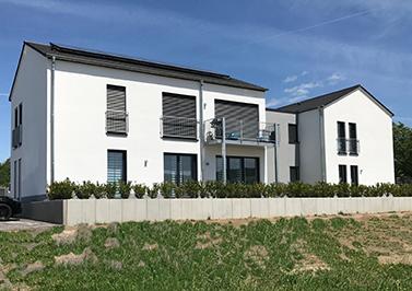 4 familienhaus doppelhaus ochtendung planungsb ro for Doppelhaus garten gestalten